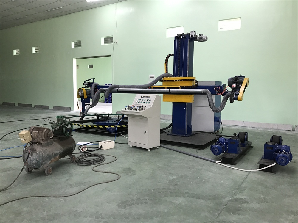 Install and debug 2-IN-1 polishing machines for Vietnamese customers